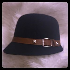 Accessories - NWT~ Wool Navy/ Brown gorgeous Stylish Hat